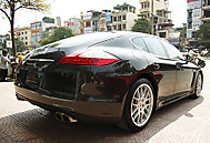 Porsche Panamera in Viet Nam (replay767)